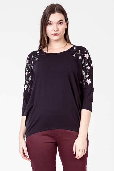 EMBROIDERED VINE FLOWER TOP