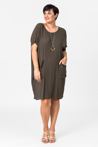 WEEKEND SLOPPY POCKET DRESS